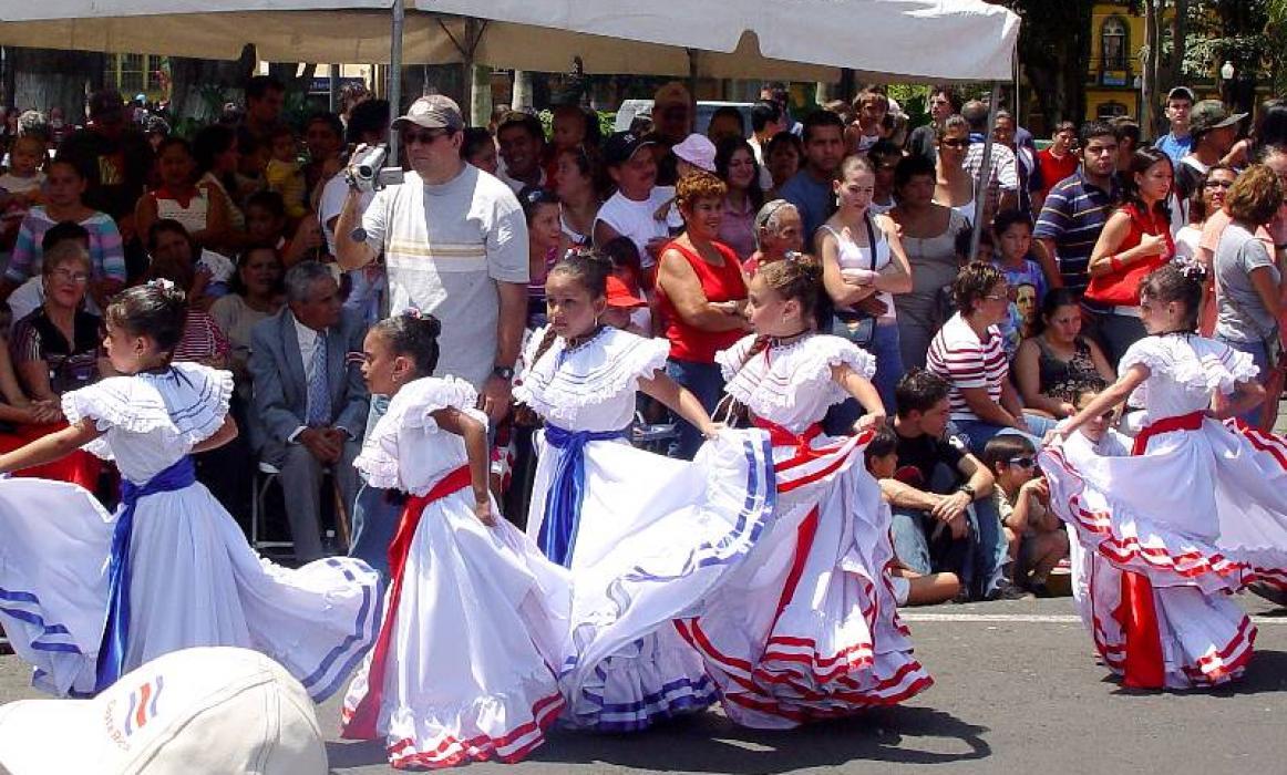 dancing alajuela sep 04 small